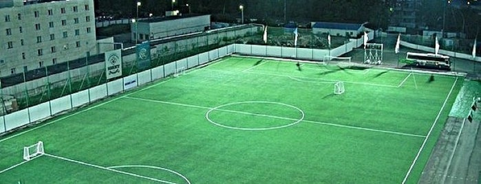 Стадион «Волга» is one of Locais curtidos por Princessa.