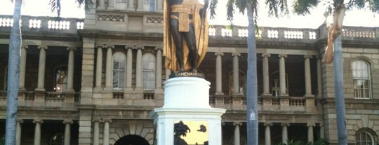 King Kamehameha Statue is one of Hawaii.