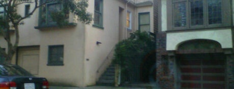 Charlie Mackenzie's Parent's House in So I Married an Axe Murderer is one of San Francisco Movie Map.