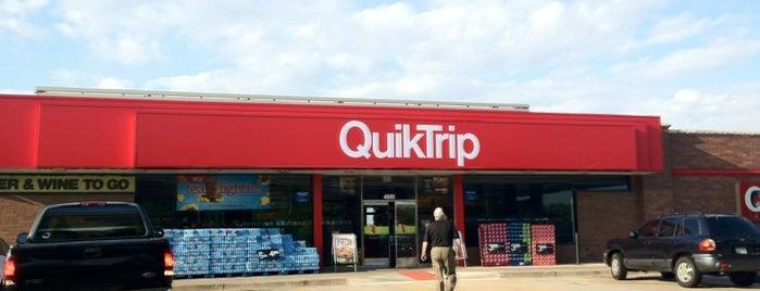 QuikTrip is one of Orte, die Tundé gefallen.