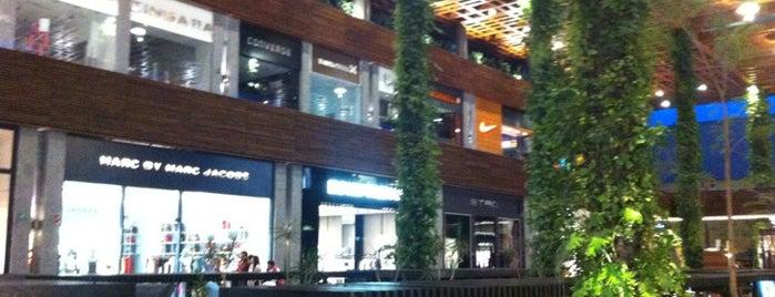 Angelópolis Lifestyle Center is one of Para el desestrés en Puebla.