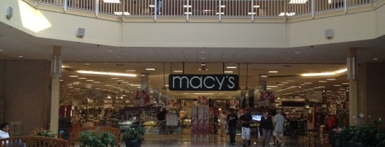 Lehigh Valley Mall is one of Orte, die Tanya gefallen.