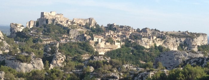 Les Baux-de-Provence is one of The Amazing Race 01 map.