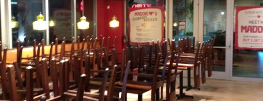Uncle Maddio's Pizza - Temporarily Closed is one of Gina'nın Kaydettiği Mekanlar.