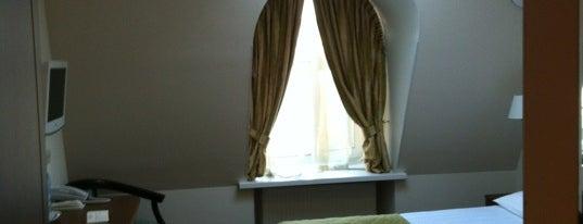 Cronwell Inn Hotel is one of Места для онлайн-трансляции.