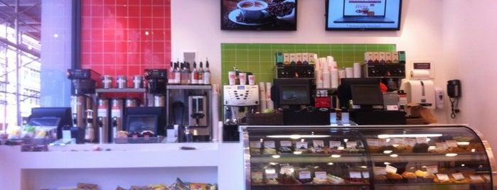 Gigi Cafe is one of Lugares favoritos de Jenn.