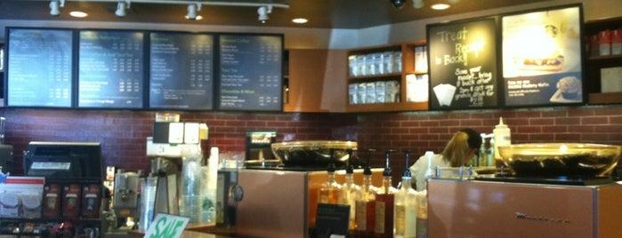 Starbucks is one of Davidさんのお気に入りスポット.