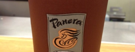 Panera Bread is one of Locais curtidos por Eliane.