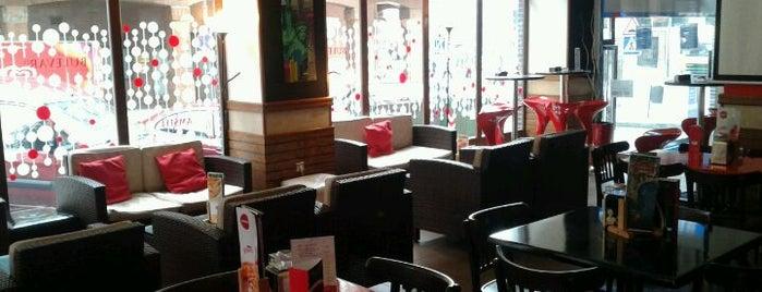Bulevar 21 Cafe is one of Porto-Bilbao.