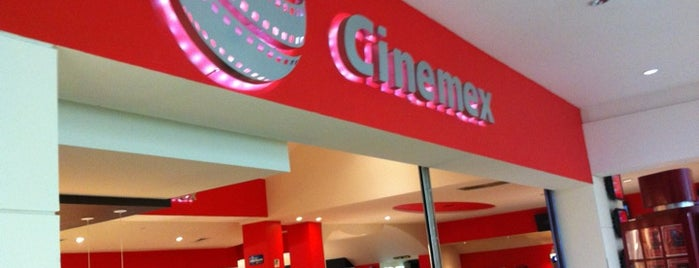 Cinemex is one of Locais curtidos por Rick.