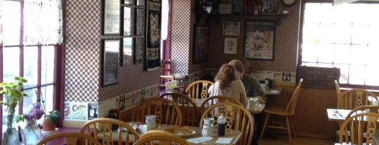 Ken's Corner Breakfast is one of Michael'in Beğendiği Mekanlar.