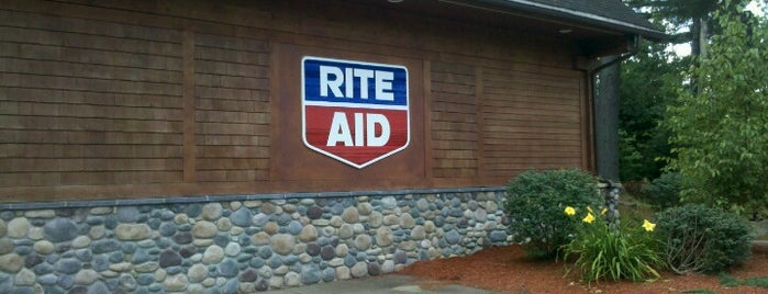 Rite Aid is one of Locais curtidos por Emily.
