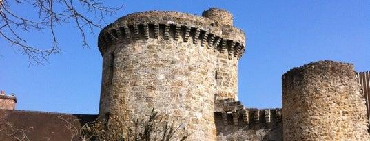 Château de la Madeleine is one of Châteaux de France.