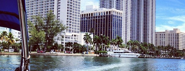 City of Miami Beach is one of Miami.
