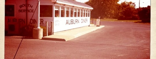Auburn Diner is one of Lugares favoritos de Emily.