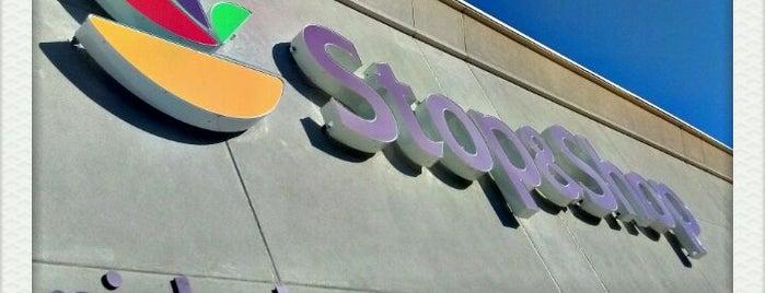 Stop & Shop is one of Lieux qui ont plu à Maureen.