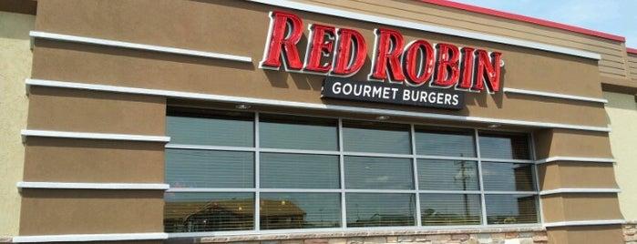 Red Robin Gourmet Burgers and Brews is one of Gunsser : понравившиеся места.