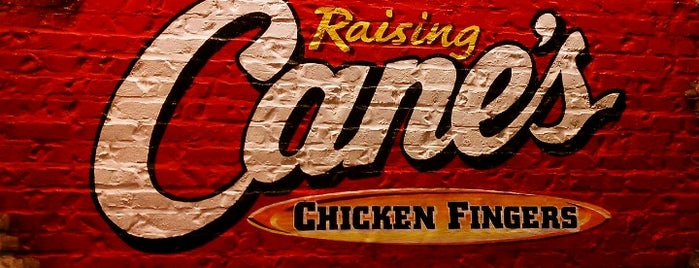 Raising Cane's Chicken Fingers is one of Lieux qui ont plu à Matt.