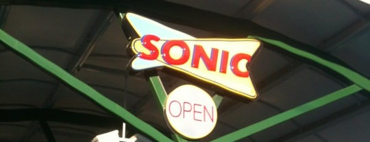 SONIC Drive In is one of Orte, die Ray gefallen.