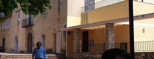 Masia La Salut is one of Restos.