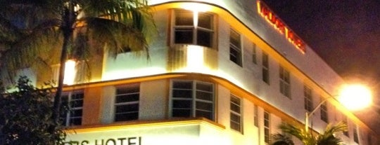Room Mate Waldorf Towers Hotel is one of MIA.