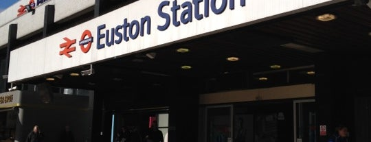 London Euston Railway Station (EUS) is one of Aaron'un Kaydettiği Mekanlar.