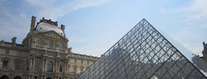 Museum Louvre is one of  Paris Sightseeing .