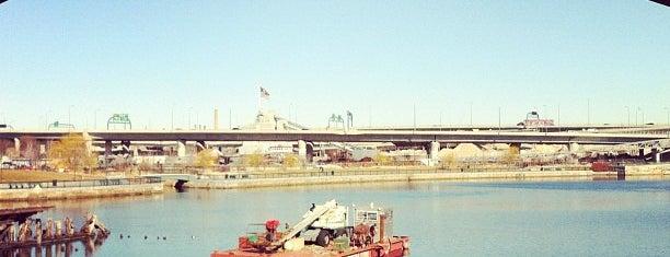 Craigie Dam Bridge is one of Stellaさんのお気に入りスポット.