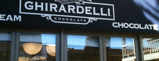 Ghirardelli Ice Cream & Chocolate Shop is one of สถานที่ที่ Luis Felipe ถูกใจ.
