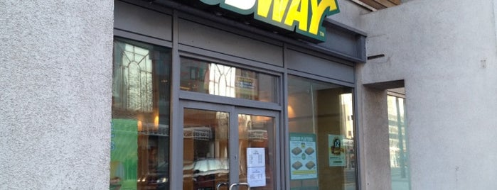 Subway is one of Delさんのお気に入りスポット.