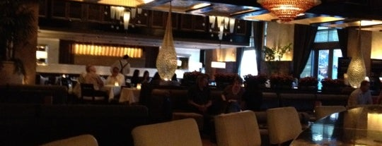 LAVO Italian Restaurant & Nightclub is one of Locais salvos de Rob.