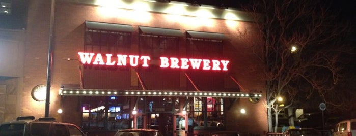 Walnut Brewery is one of Tempat yang Disukai Ryan.