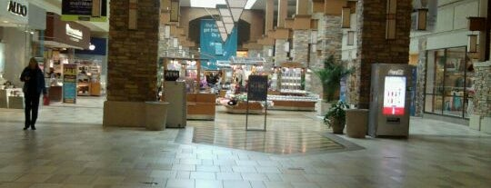 Brookfield Square Mall is one of Orte, die George gefallen.
