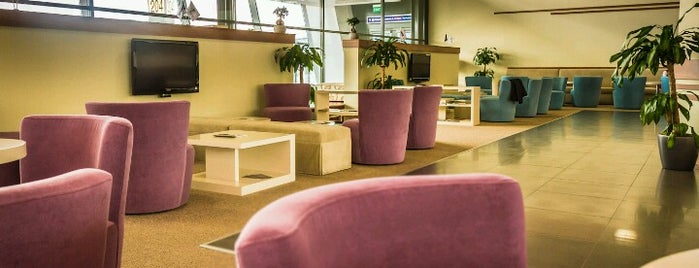 Business Lounge Skopje Airport is one of Tempat yang Disukai Pelin.