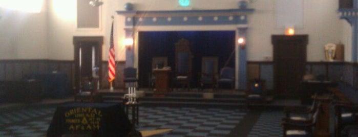 Jefferson Masonic Temple is one of Tempat yang Disukai Johnathan.
