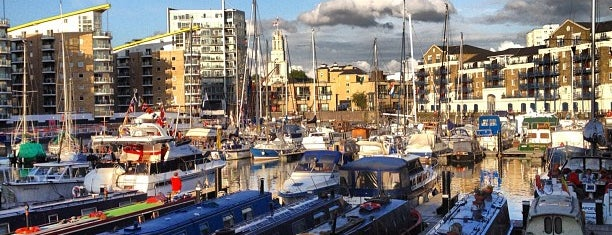 Limehouse Basin is one of londra.
