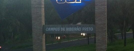 Universidade de São Paulo (USP) is one of Lugares guardados de Amelia.