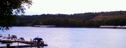 Cabana On The River is one of Tempat yang Disukai Matt.