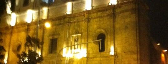 Iglesia de Santo Domingo is one of Lugares, plazas y barrios de Santiago de Chile.