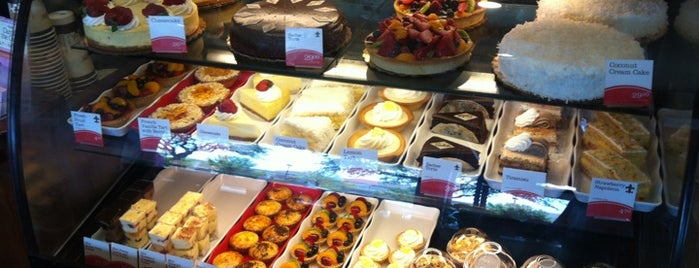 la Madeleine French Bakery & Café Camp Bowie is one of Lieux qui ont plu à Jenny.
