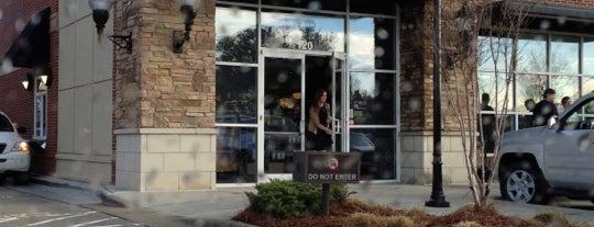 Starbucks is one of Lieux qui ont plu à Sarah.
