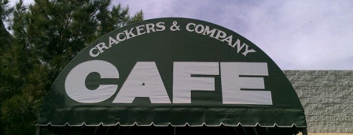 Crackers & Co. Café is one of Tempat yang Disimpan Lizzie.