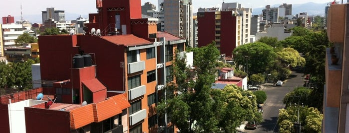 Calle Magdalena is one of สถานที่ที่ HOLYBBYA ถูกใจ.