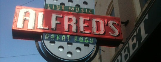 Alfred's on Beale is one of Tempat yang Disukai Fernando.
