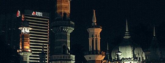 Masjid Jamek Kuala Lumpur is one of Posti che sono piaciuti a cuadrodemando.