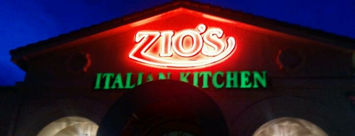 Zio's Italian Kitchen is one of Orte, die Antonio gefallen.