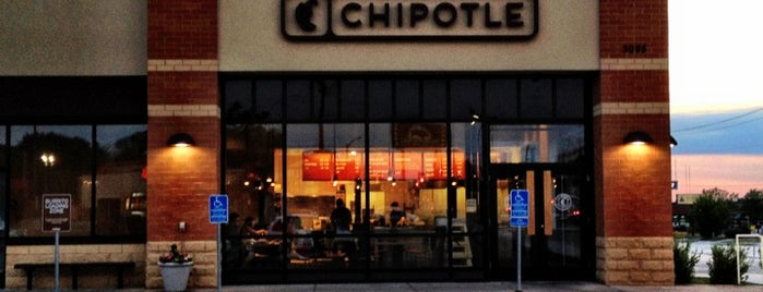 Chipotle Mexican Grill is one of Locais salvos de Jenny.