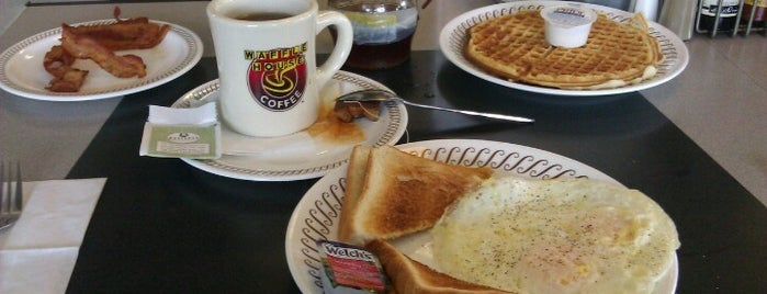 Waffle House is one of Orte, die Jonathan gefallen.