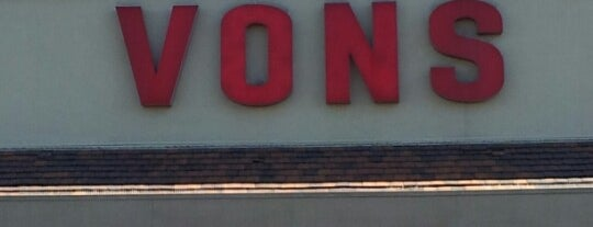 VONS is one of Aaronさんのお気に入りスポット.