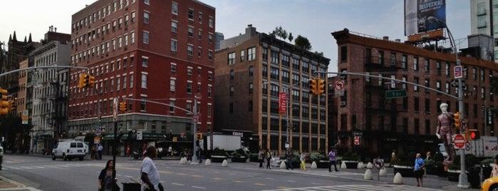Meatpacking District is one of Manhattan Neighbourhoods.